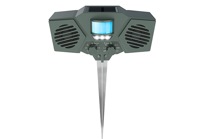 Hoont Solar Powered Motion Activated Ultrasonic Outdoor Animal and Pest Repeller